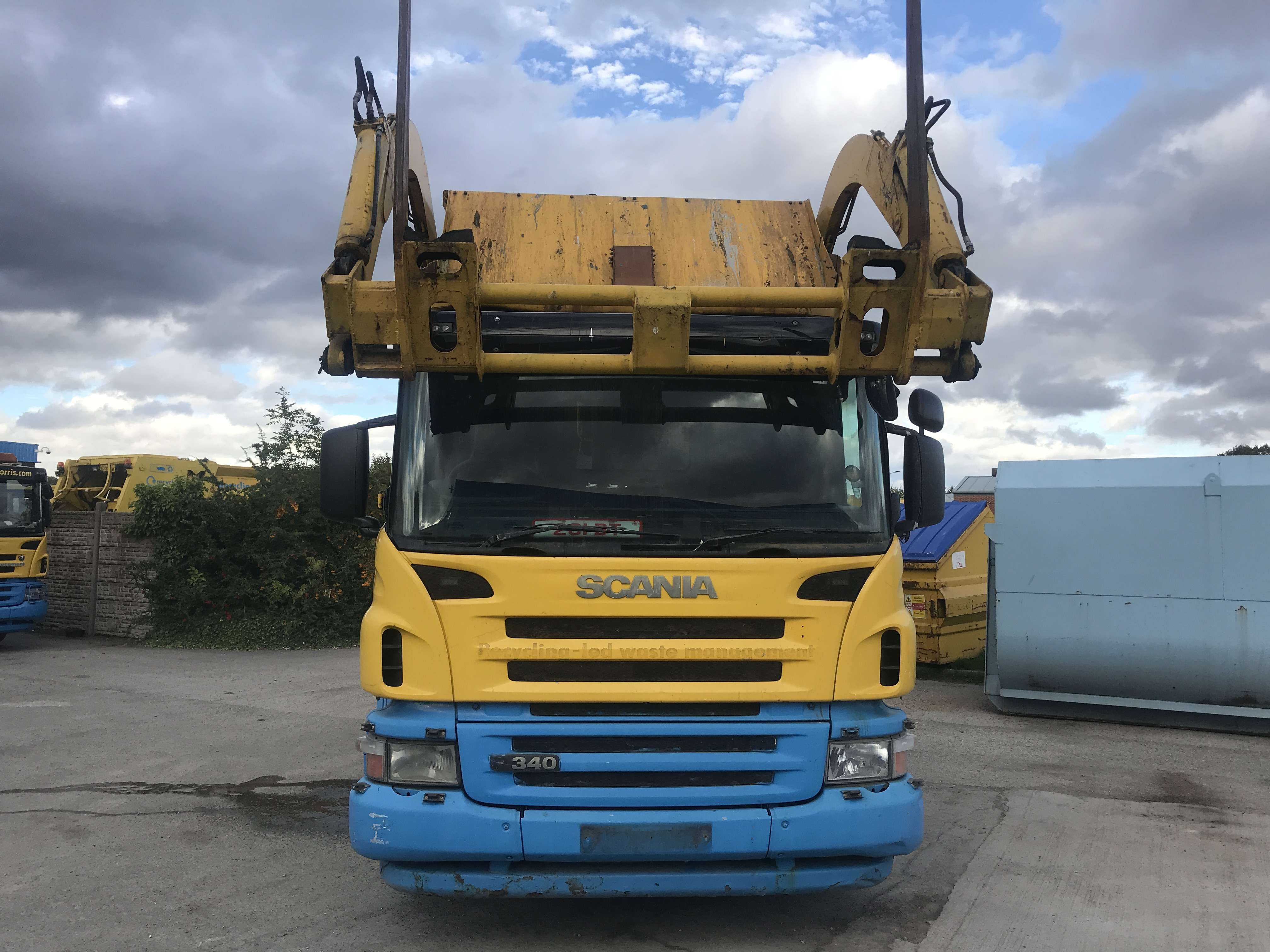 2007 Scania P340 8x4 front end loader for sale 2