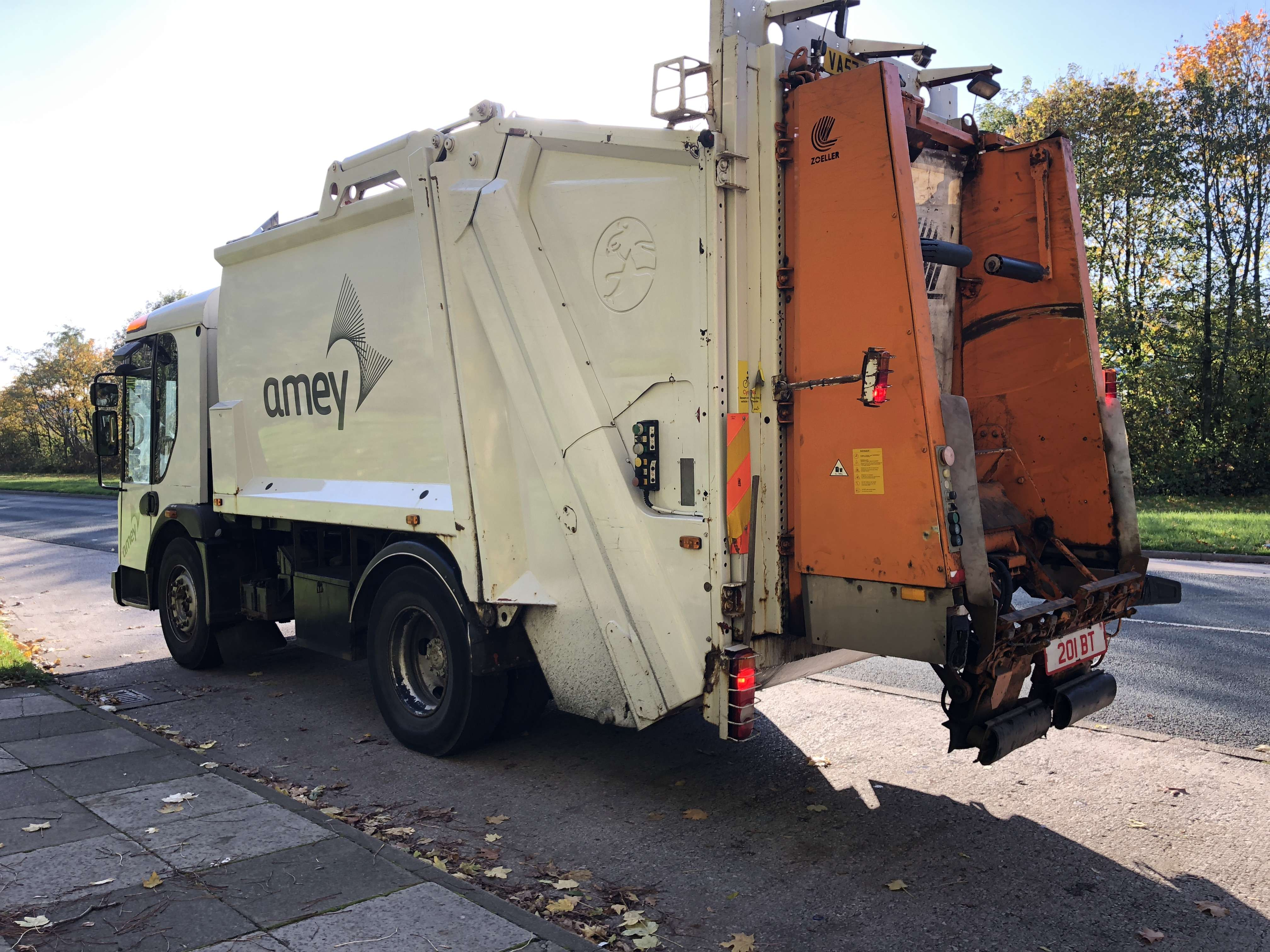 2008 Dennis 4x2 narrow track refuse collection truck for sale 4