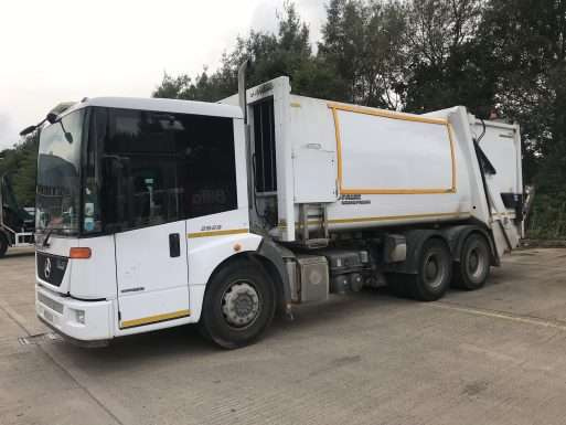 2013 Mercedes Econic 6x4 refuse truck for sale, Faun Variopress Body, Zoeller Trade Binlift 3