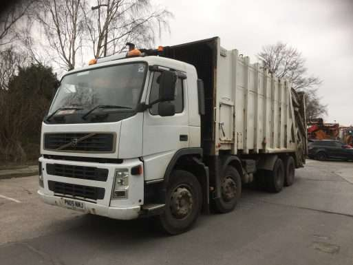 2005 Volvo FM12 340 8x4 rel for sale, Heil body, Trade binlift and skip arms 2