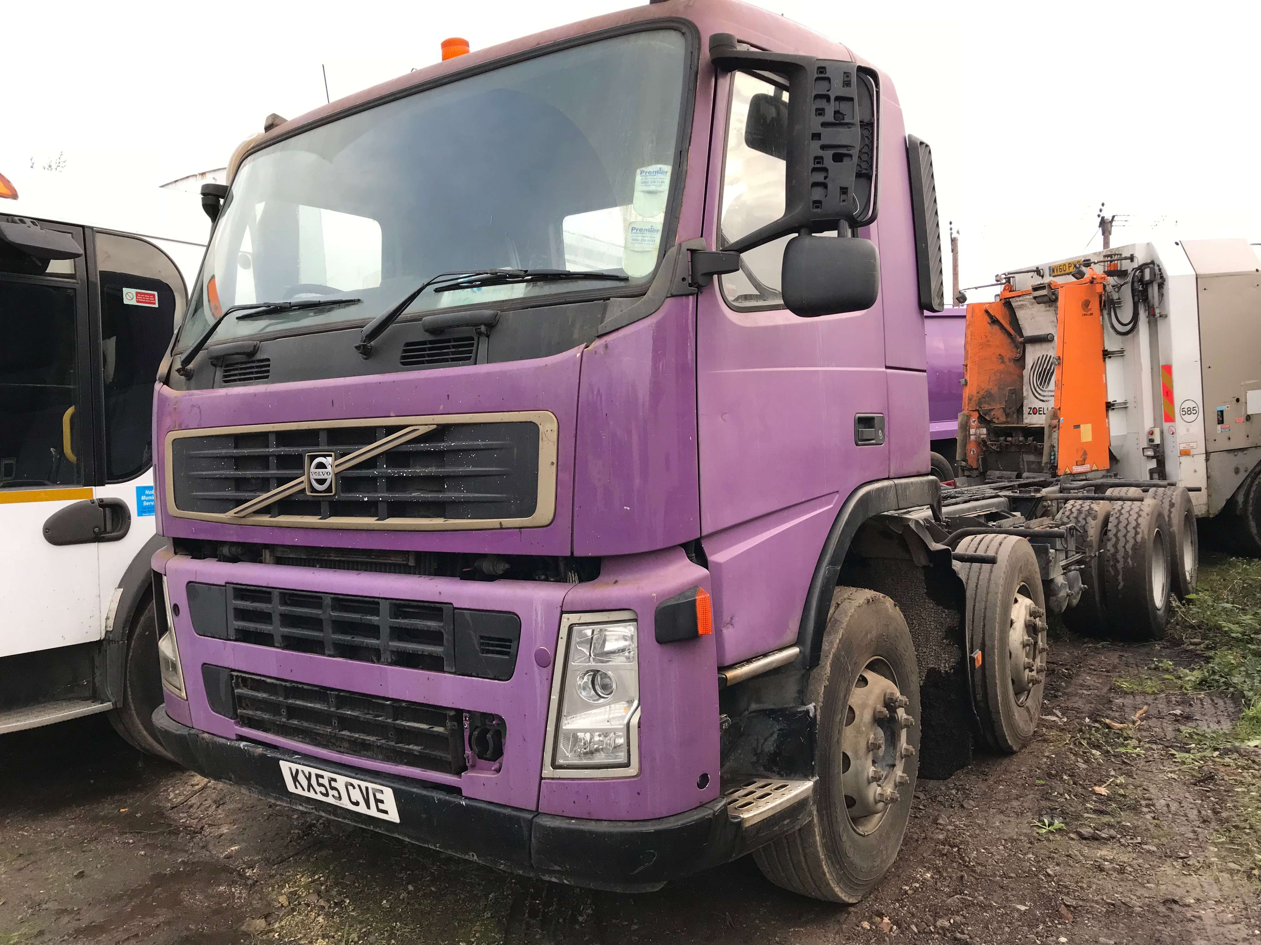 2005 Volvo FM12.340 8x4 chassis cab truck for sale 3