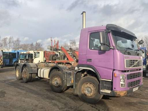 2008 Volvo FM12 360 8x4 chassis cab 3