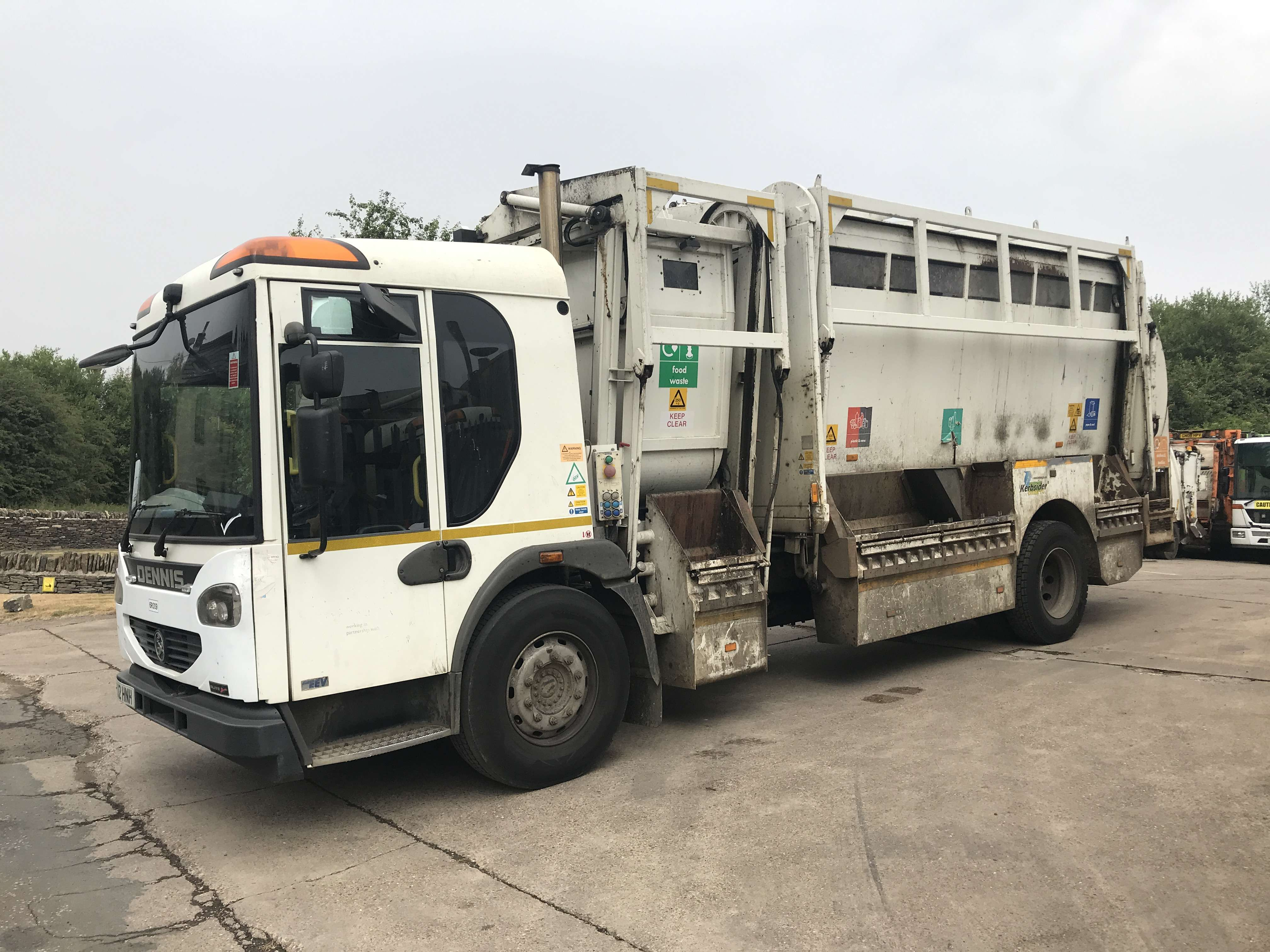 2012 Dennis Eagle kerbsider refuse truck for sale - Terberg Matec body with food pod