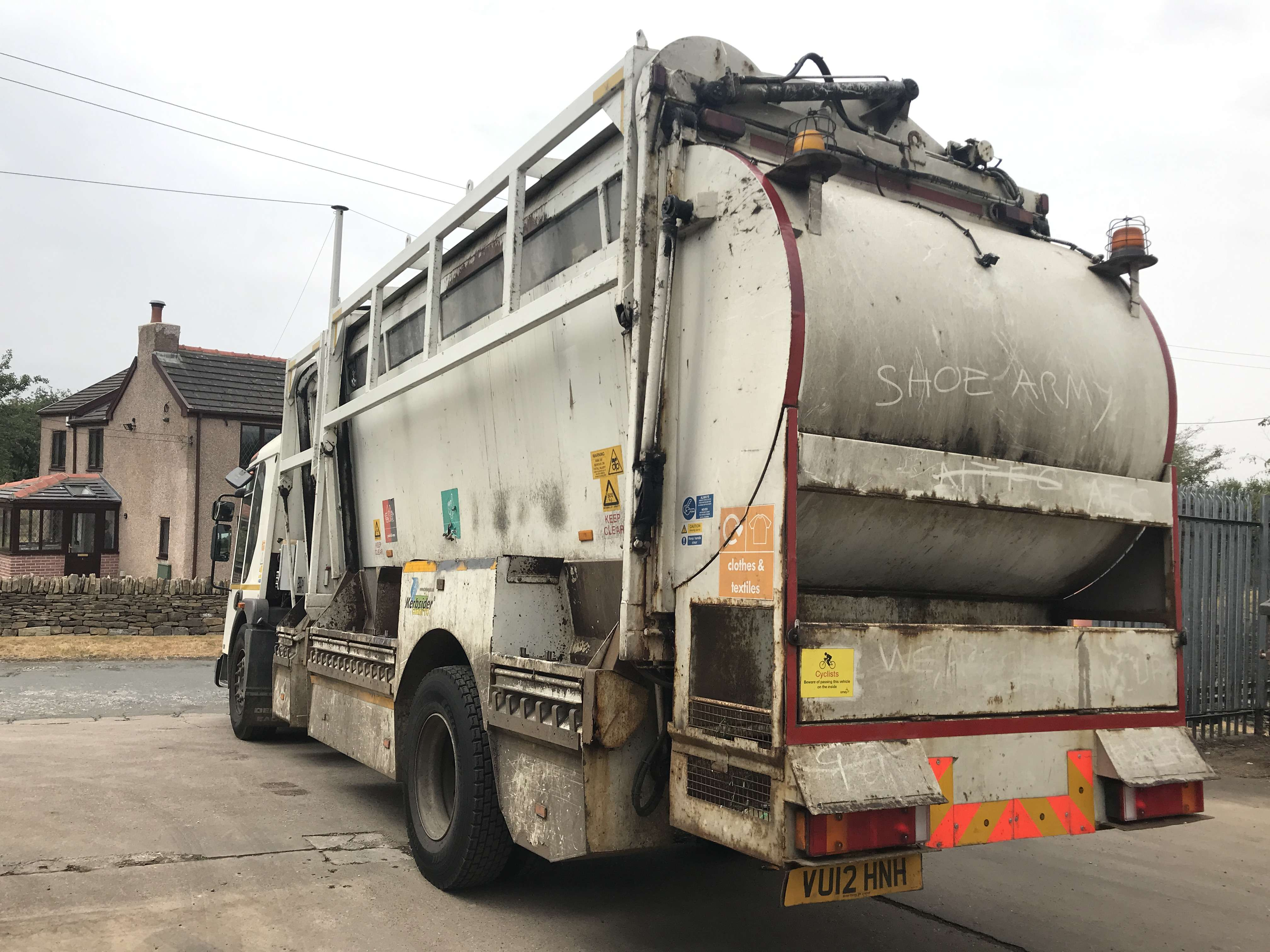 2012 Dennis Eagle kerbsider refuse truck for sale - Terberg Matec body with food pod 6