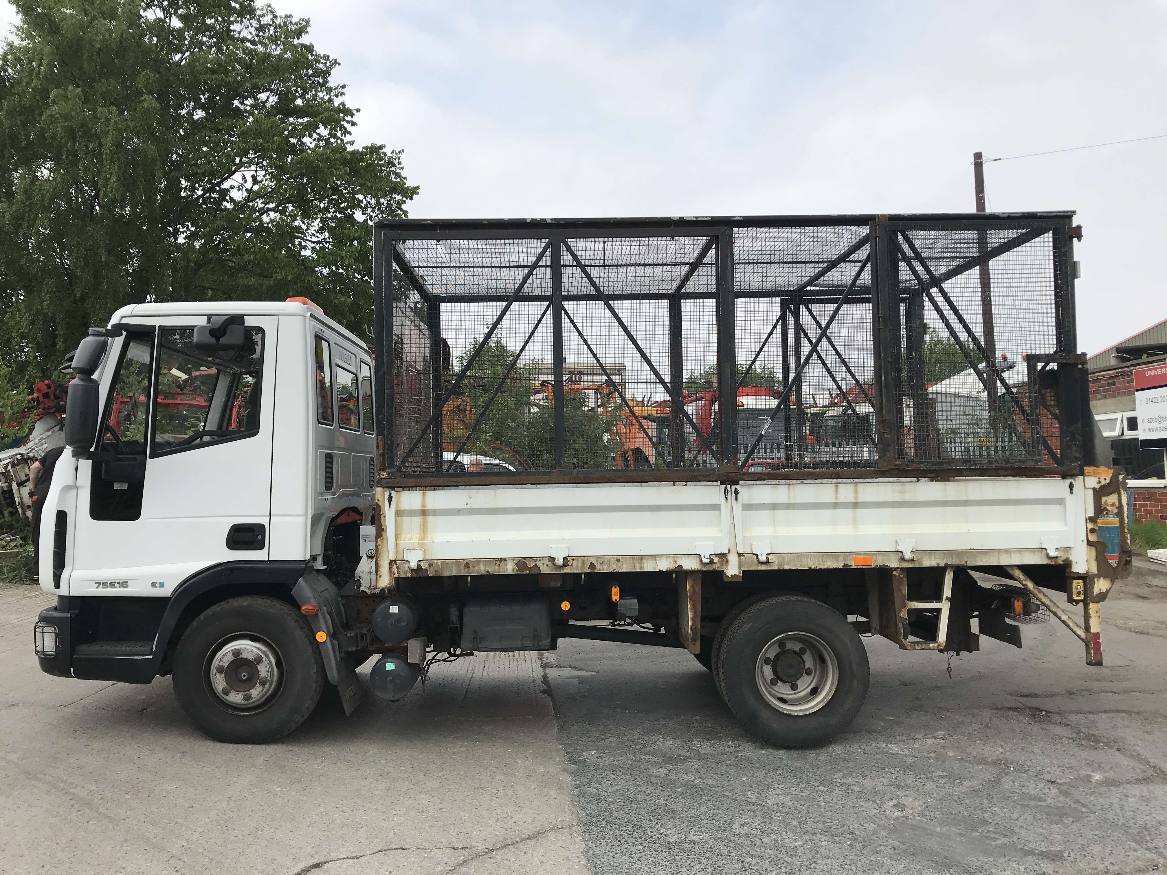 2010 Iveco 4x2 caged tipper for sale 4