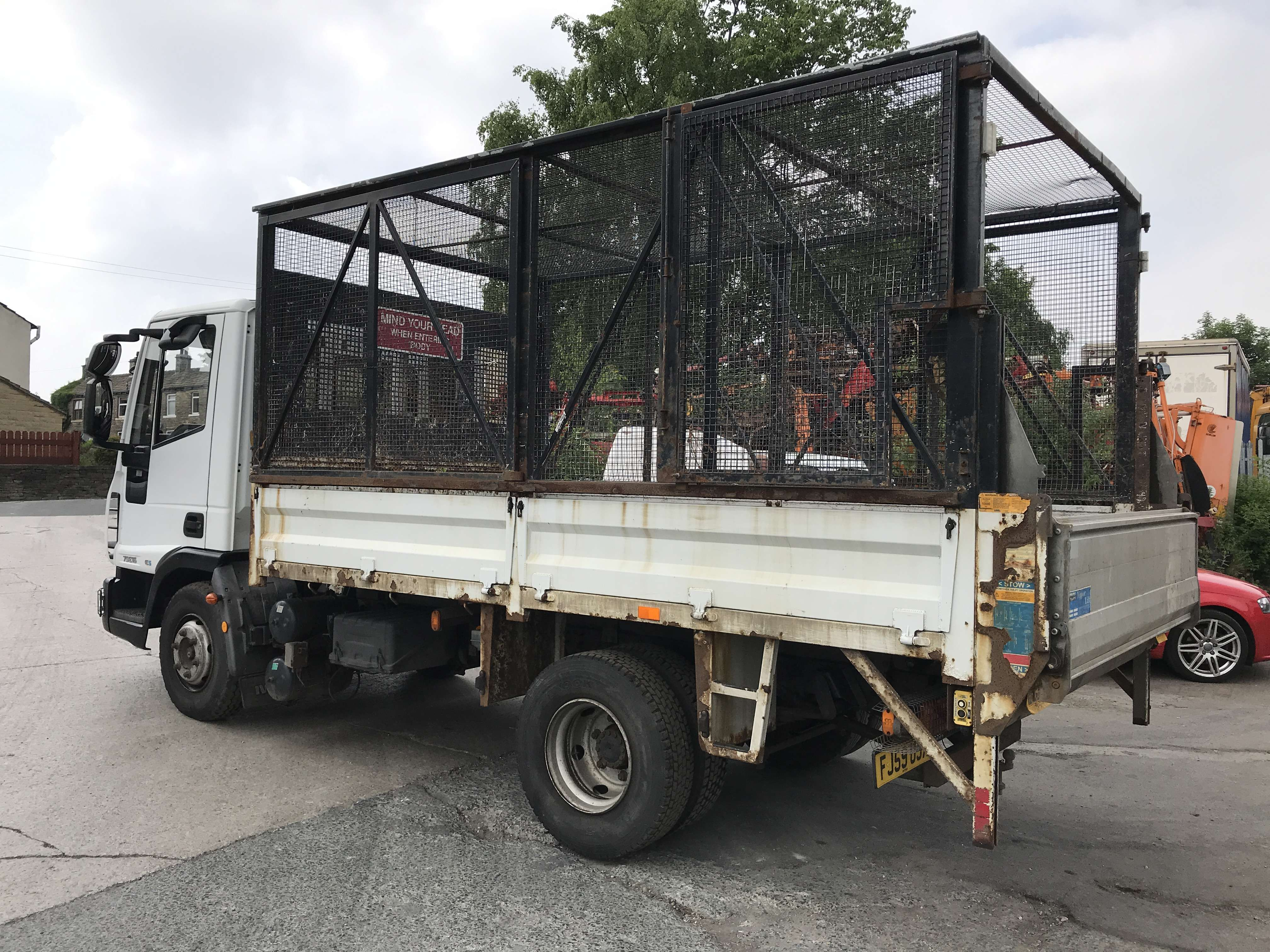 2010 Iveco 4x2 caged tipper for sale 5