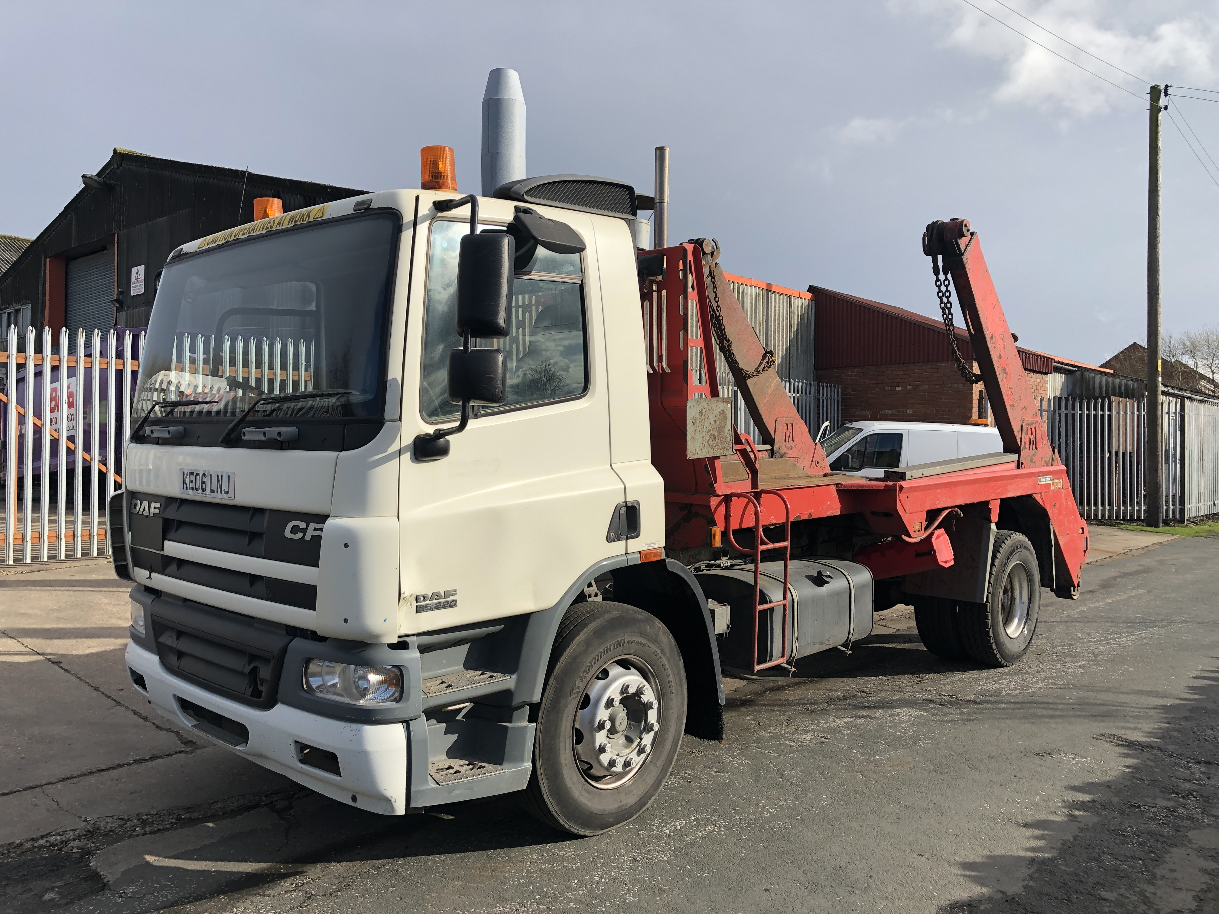 DAF CF65.220 4x2 Skiploader for sale, Maclift Equipment