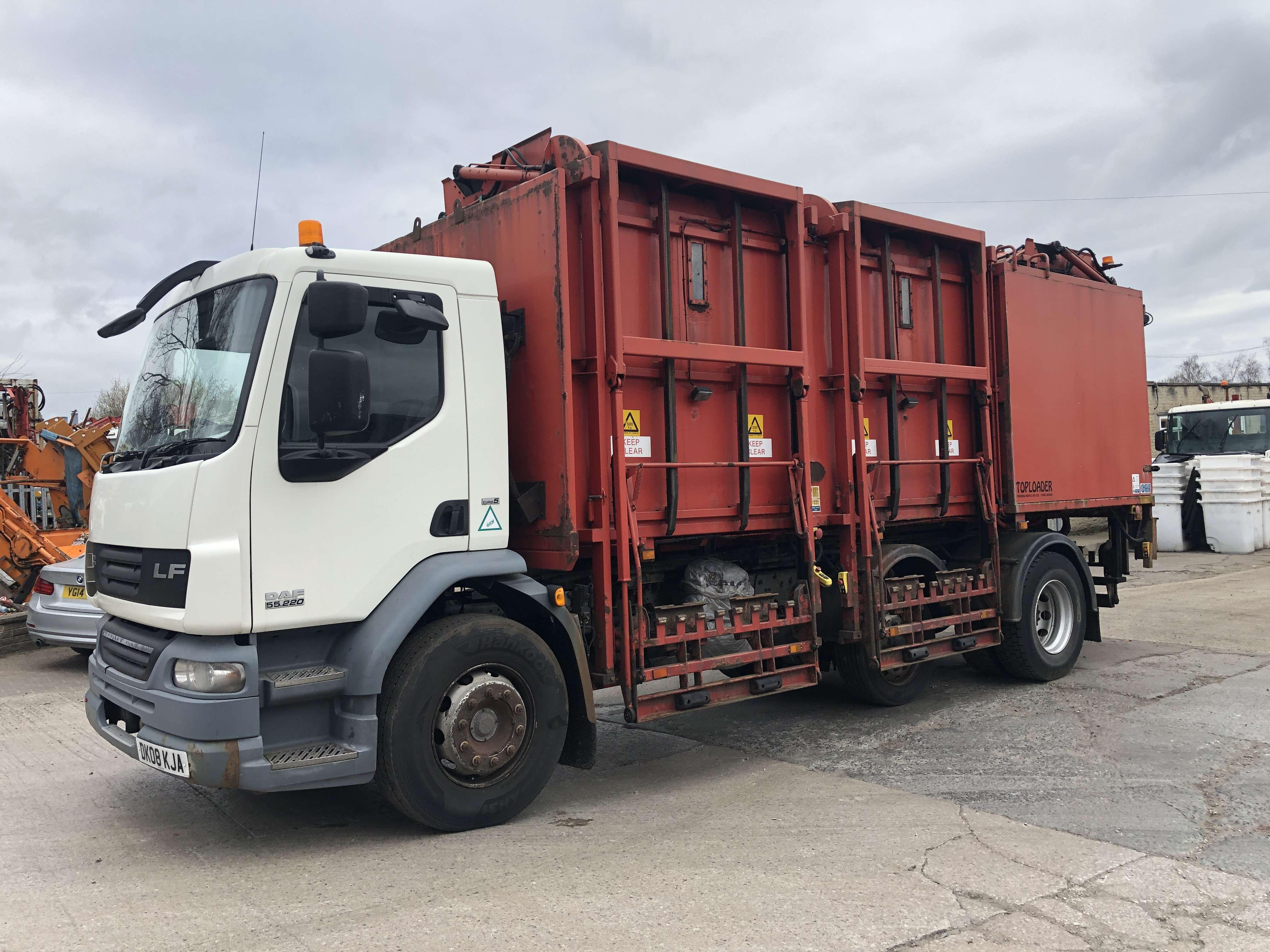 2008 DAF LF45.220 toploader refuse truck for sale 1