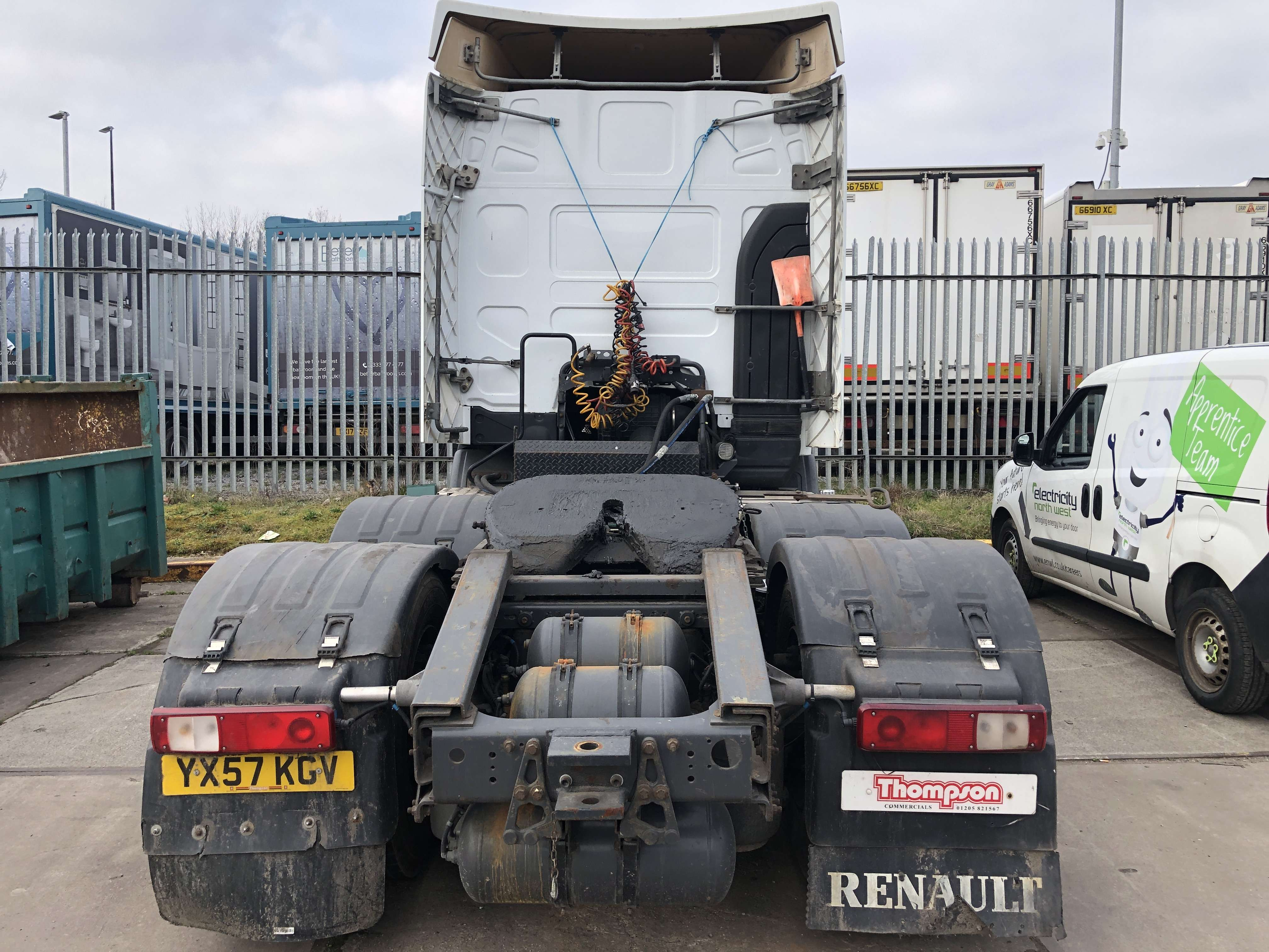 2008 Renault 6x2 tractor unit for sale 5