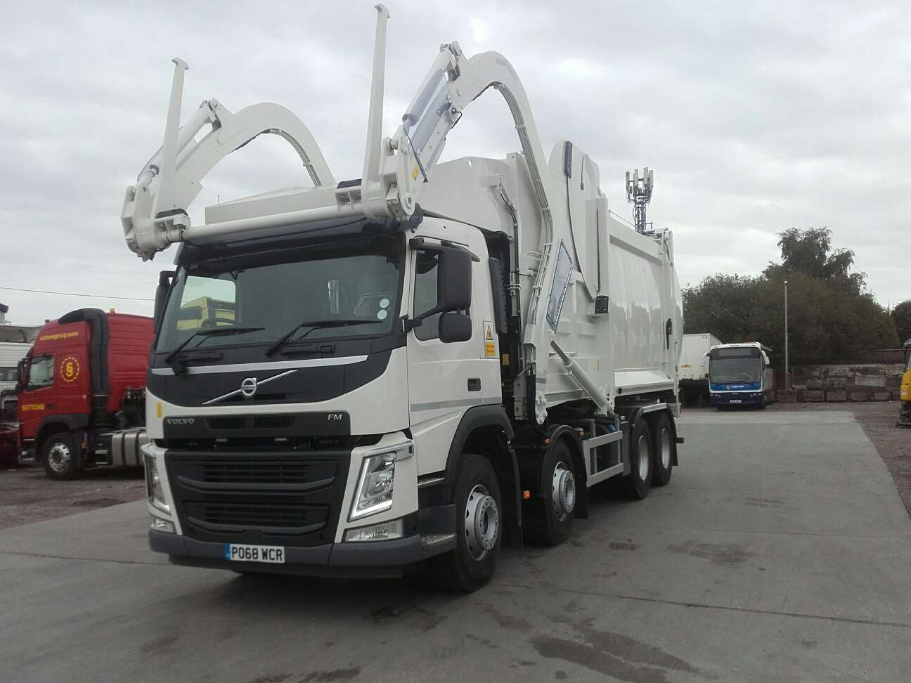 2018 Volvo FM 84 FR 8x4 front end loader for sale 3