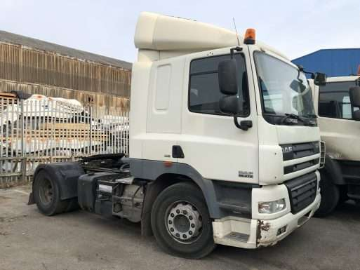 2009 DAF CF85.410 4x2 tractor unit for sale 3
