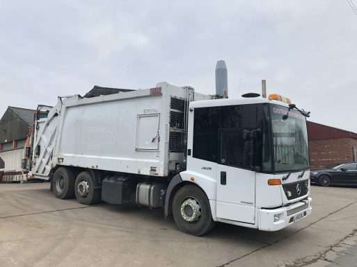 2010 Mercedes Econic 2629 6x2 70:30 split body refuse truck for sale 3