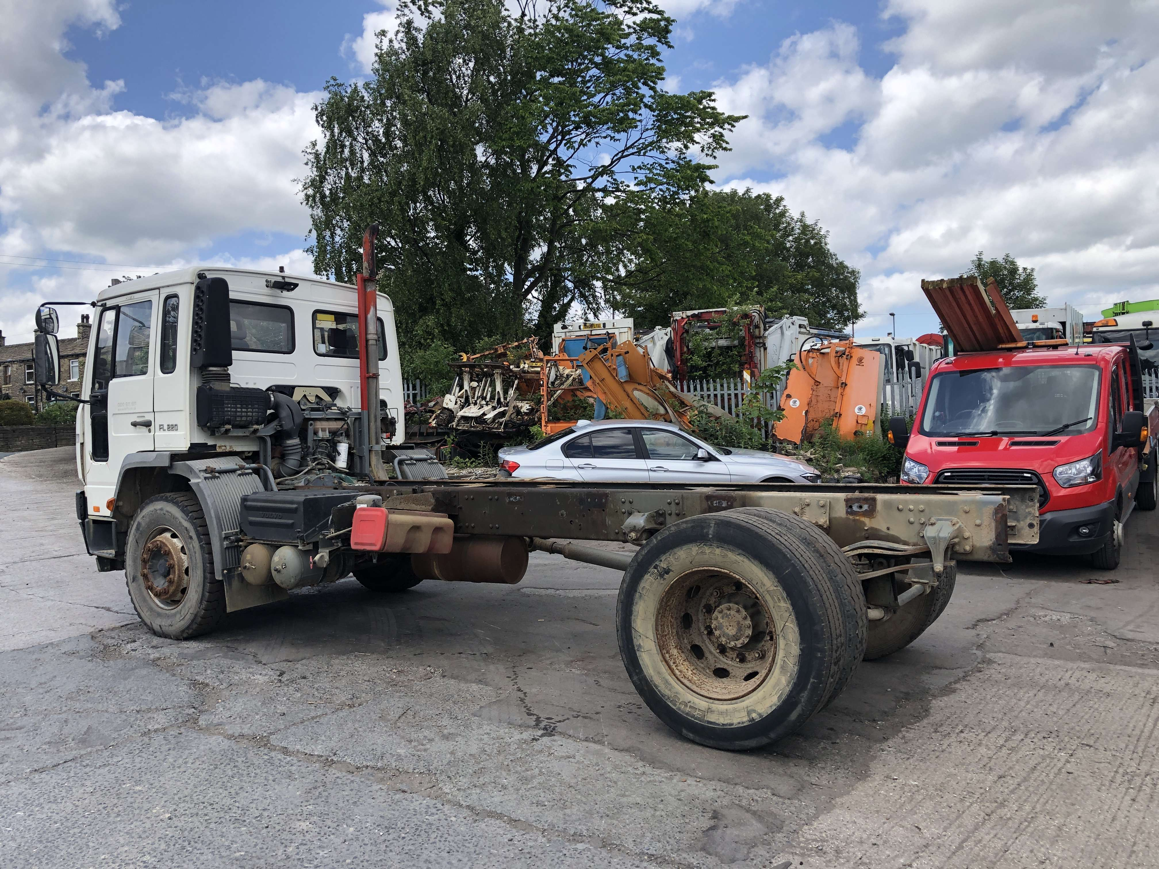 Volvo FL 220 cab chassis truck for sale 2