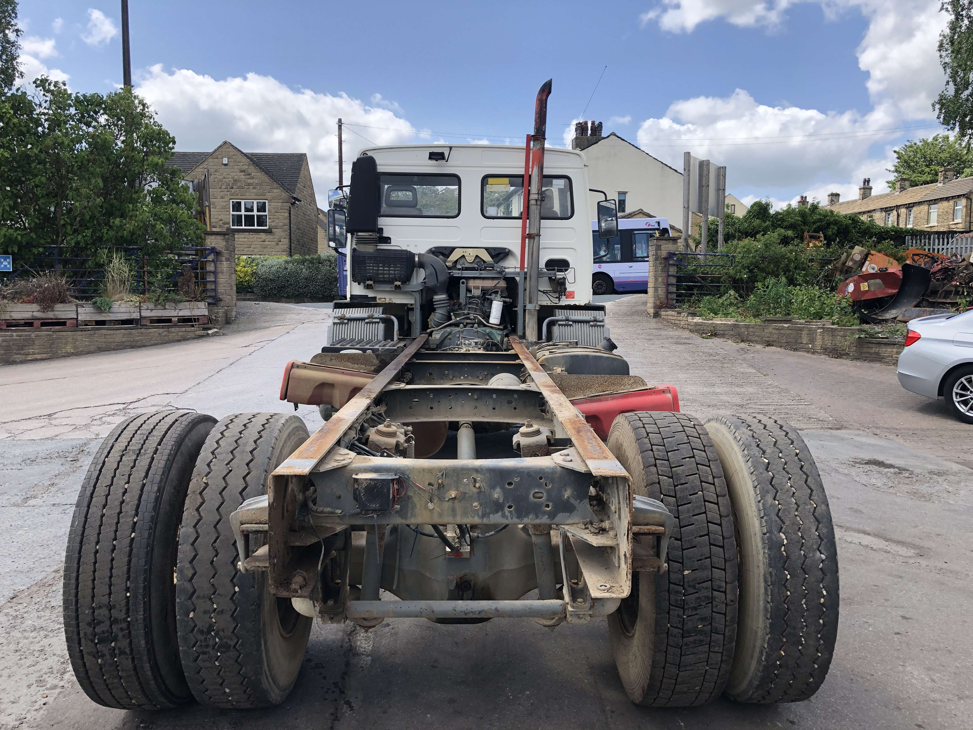 Volvo FL 220 cab chassis truck for sale 3