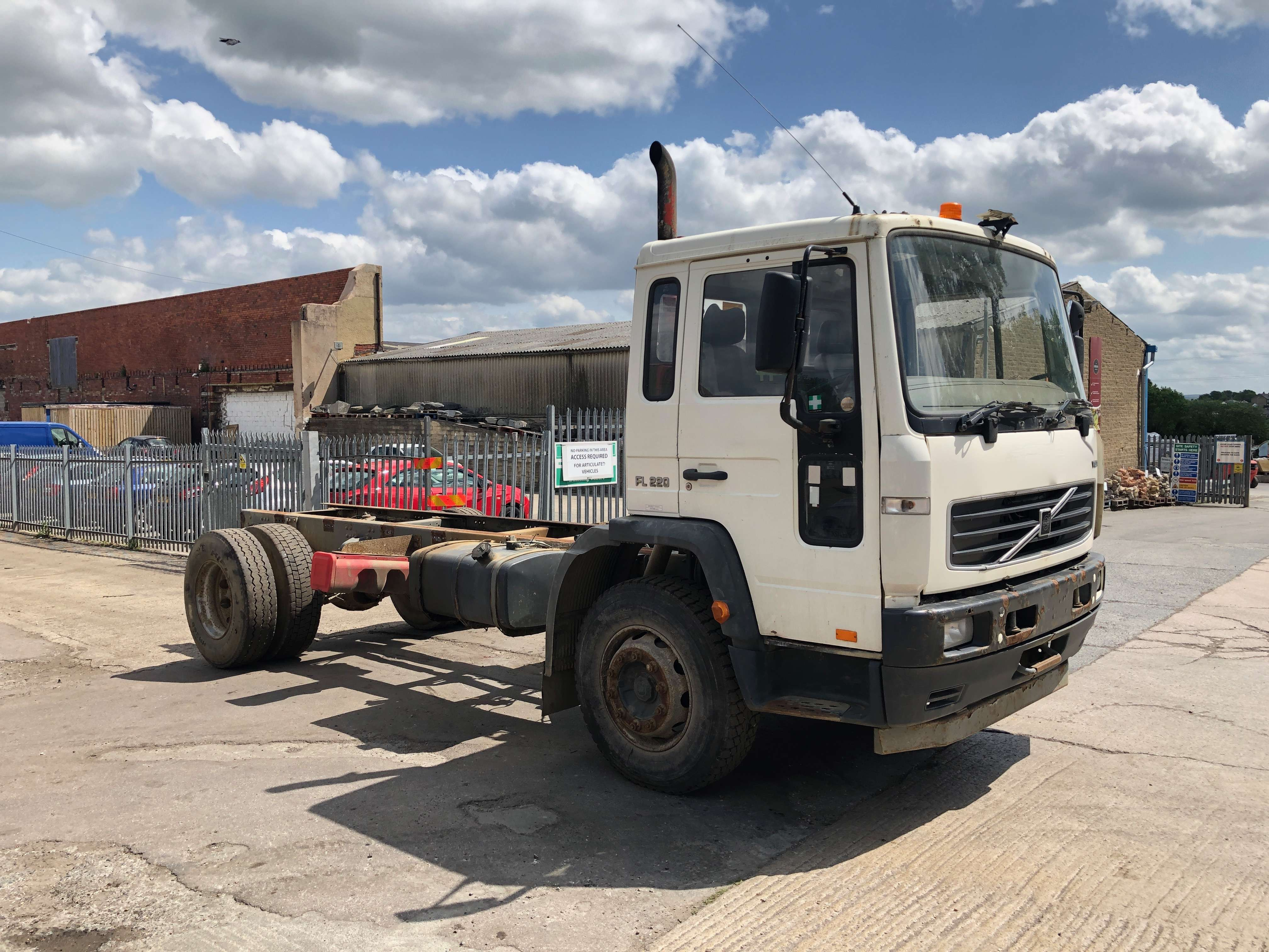 Volvo FL 220 cab chassis truck for sale 5
