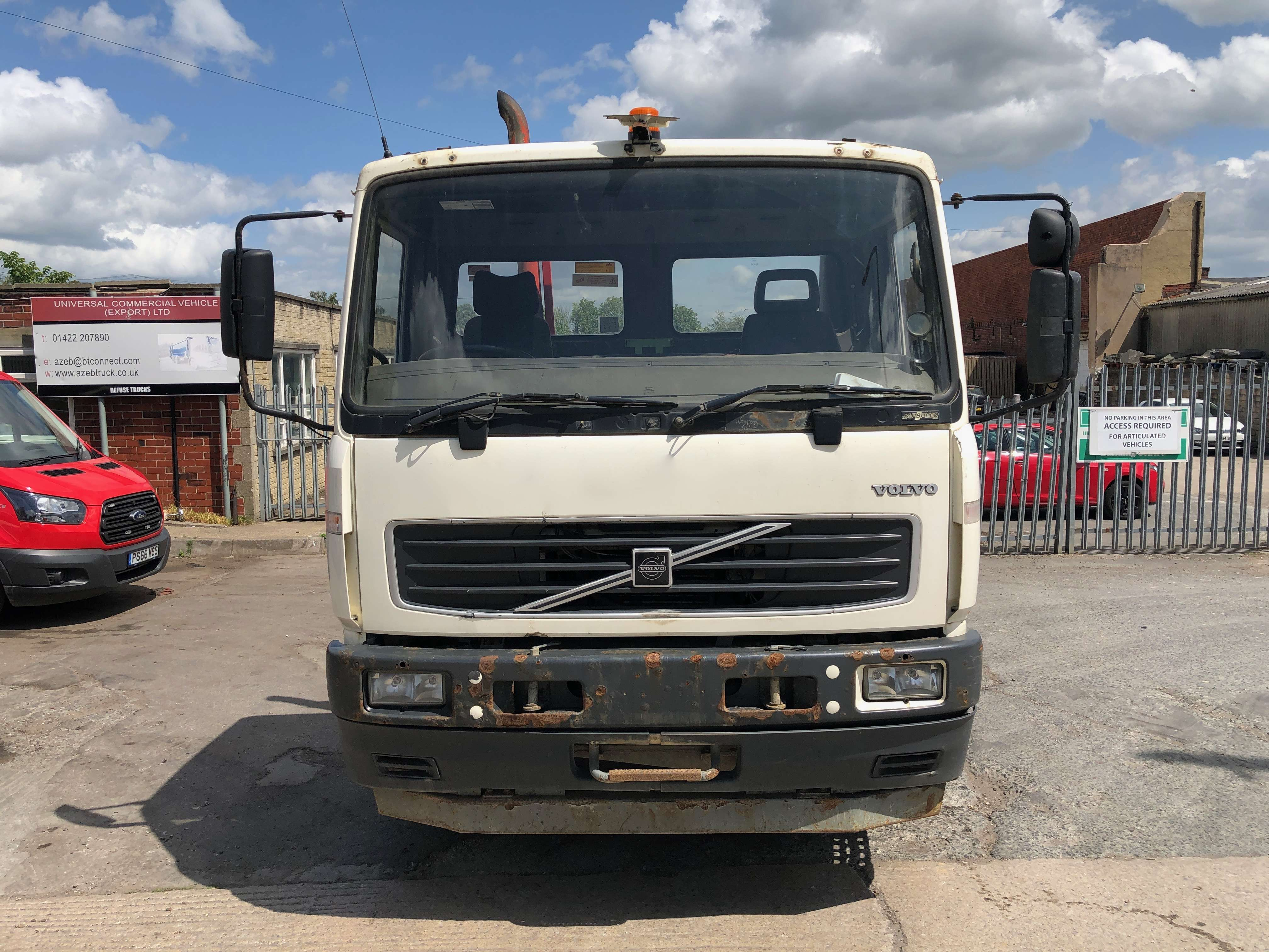 Volvo FL 220 cab chassis truck for sale 6