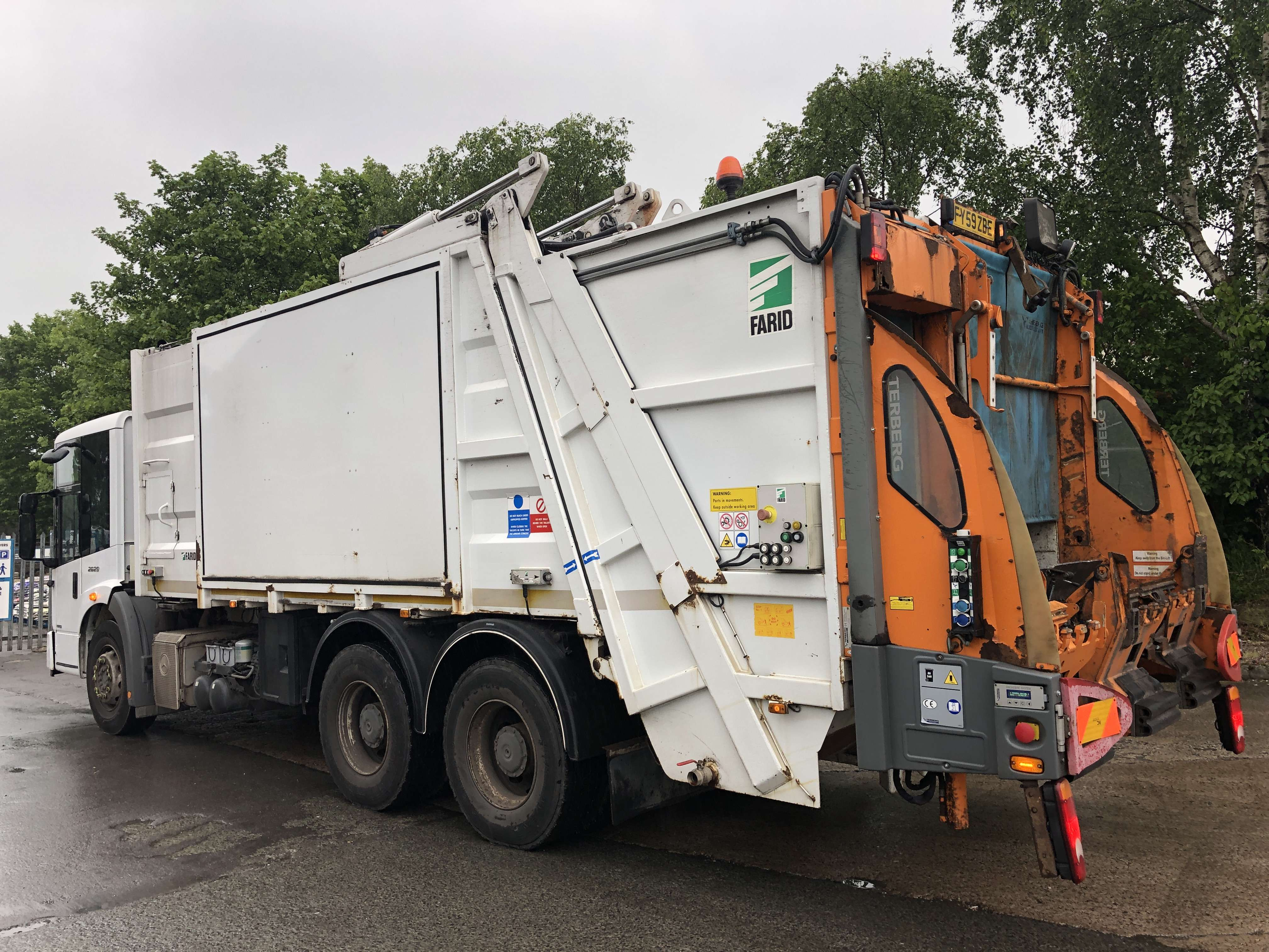 Mercedes Econic 70/30 split body twinpack refuse truck for sale 2