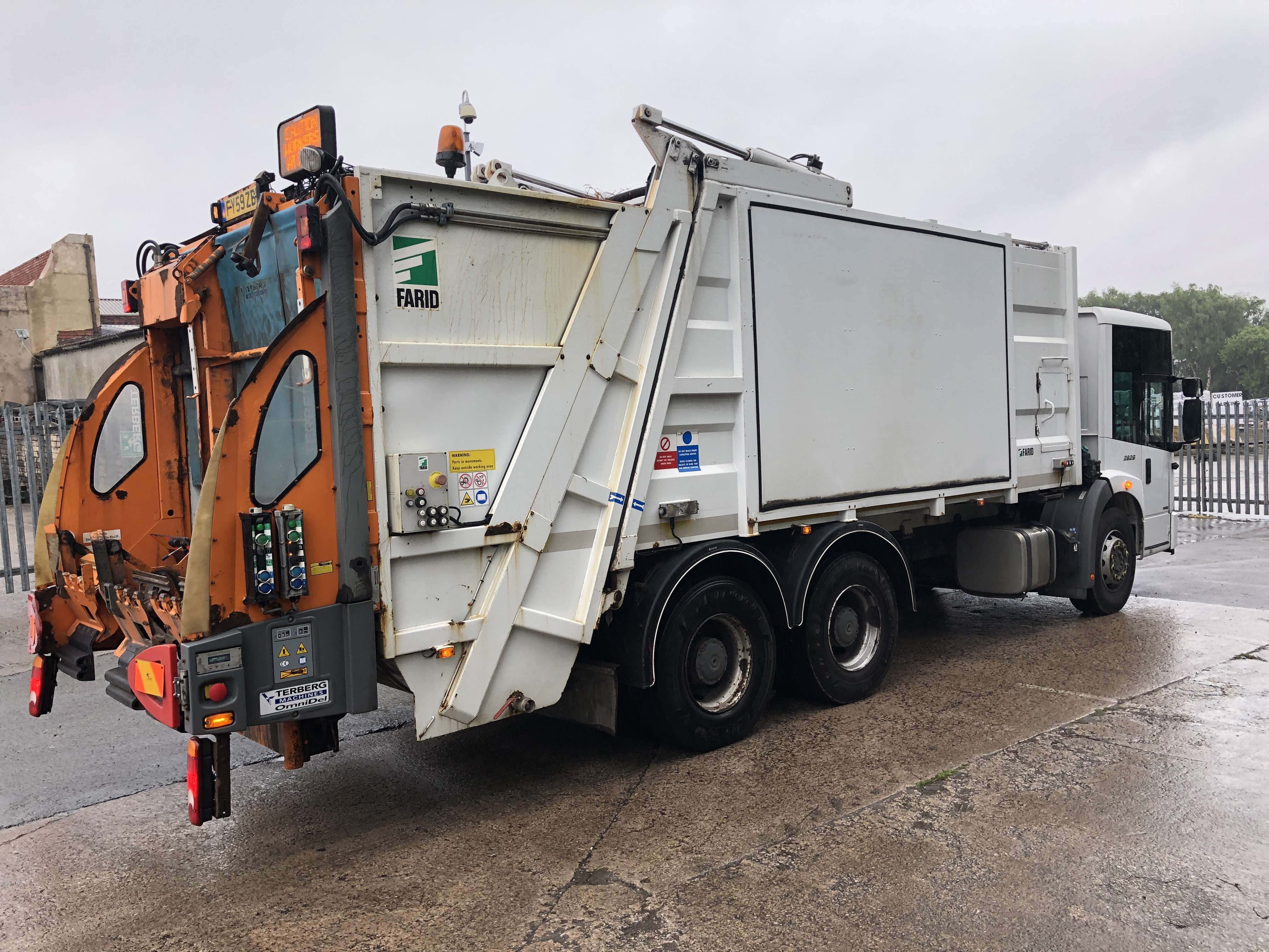 Mercedes Econic 70/30 split body twinpack refuse truck for sale 4