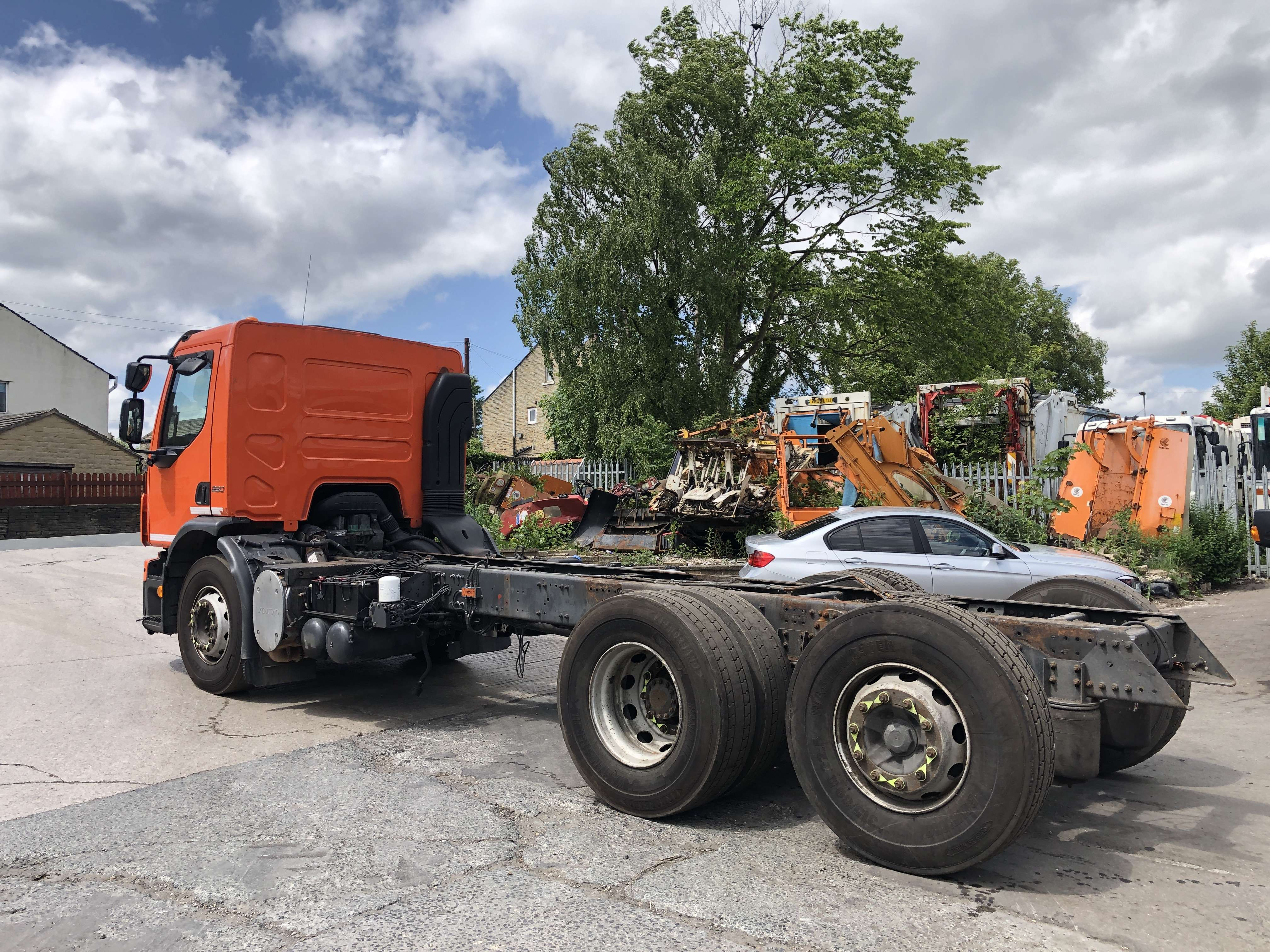 Volvo FE 260 6x2 rear steer chassis cab 2
