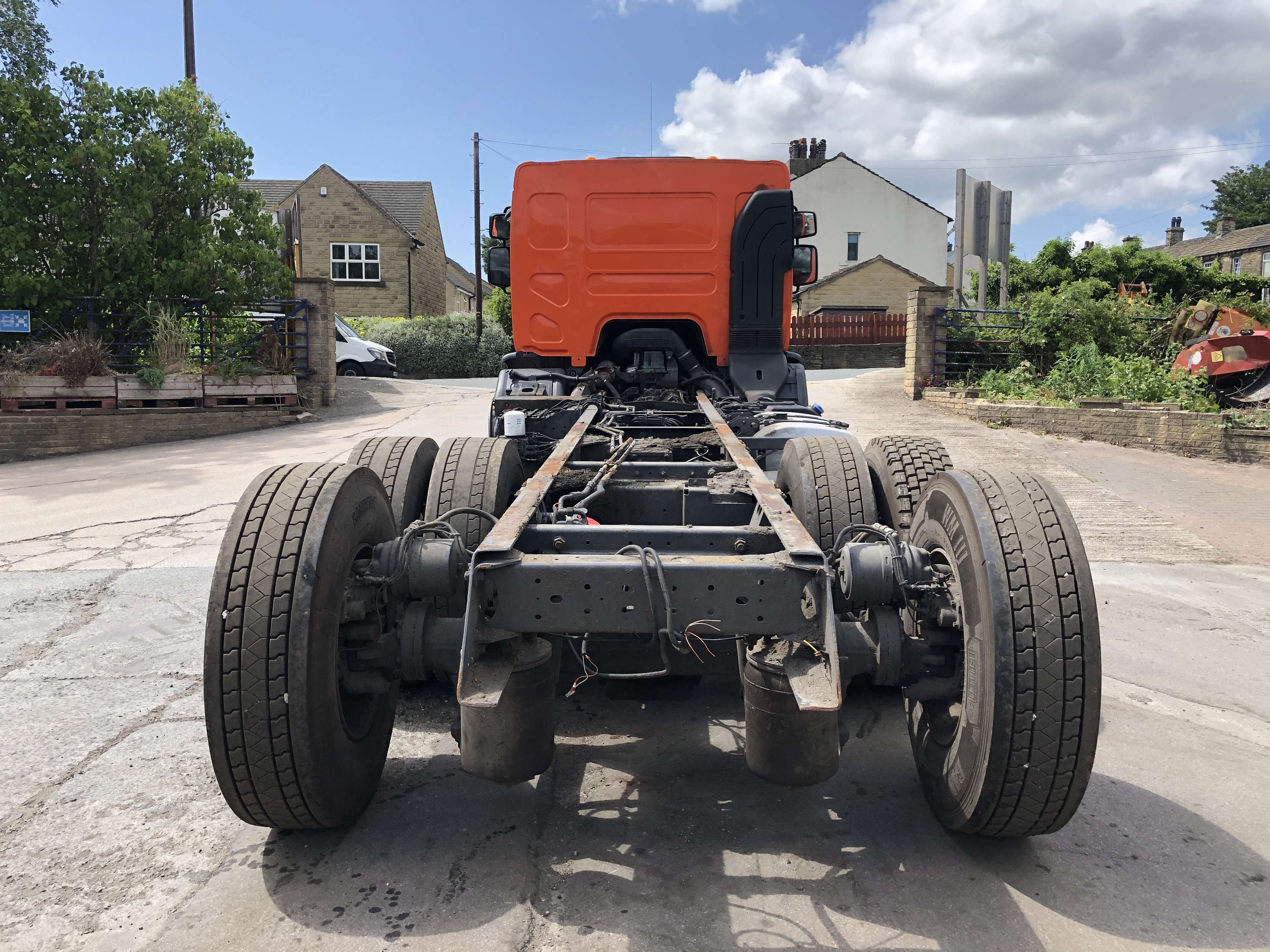 Volvo FE 260 6x2 rear steer chassis cab 3