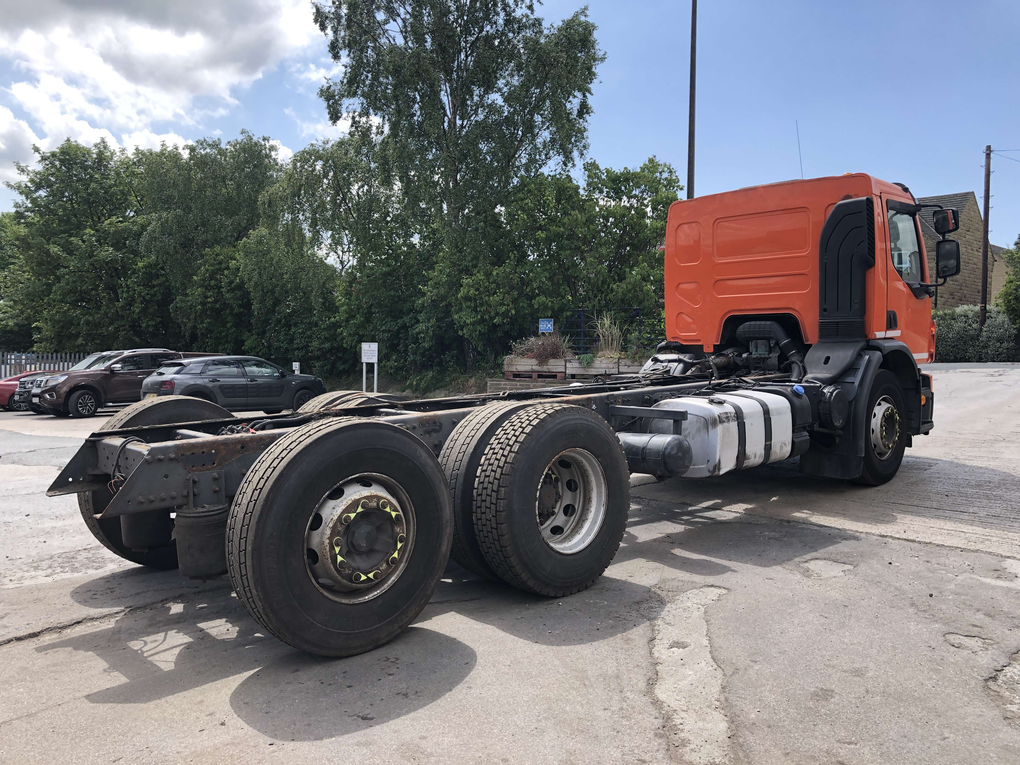 Volvo FE 260 6x2 rear steer chassis cab 4