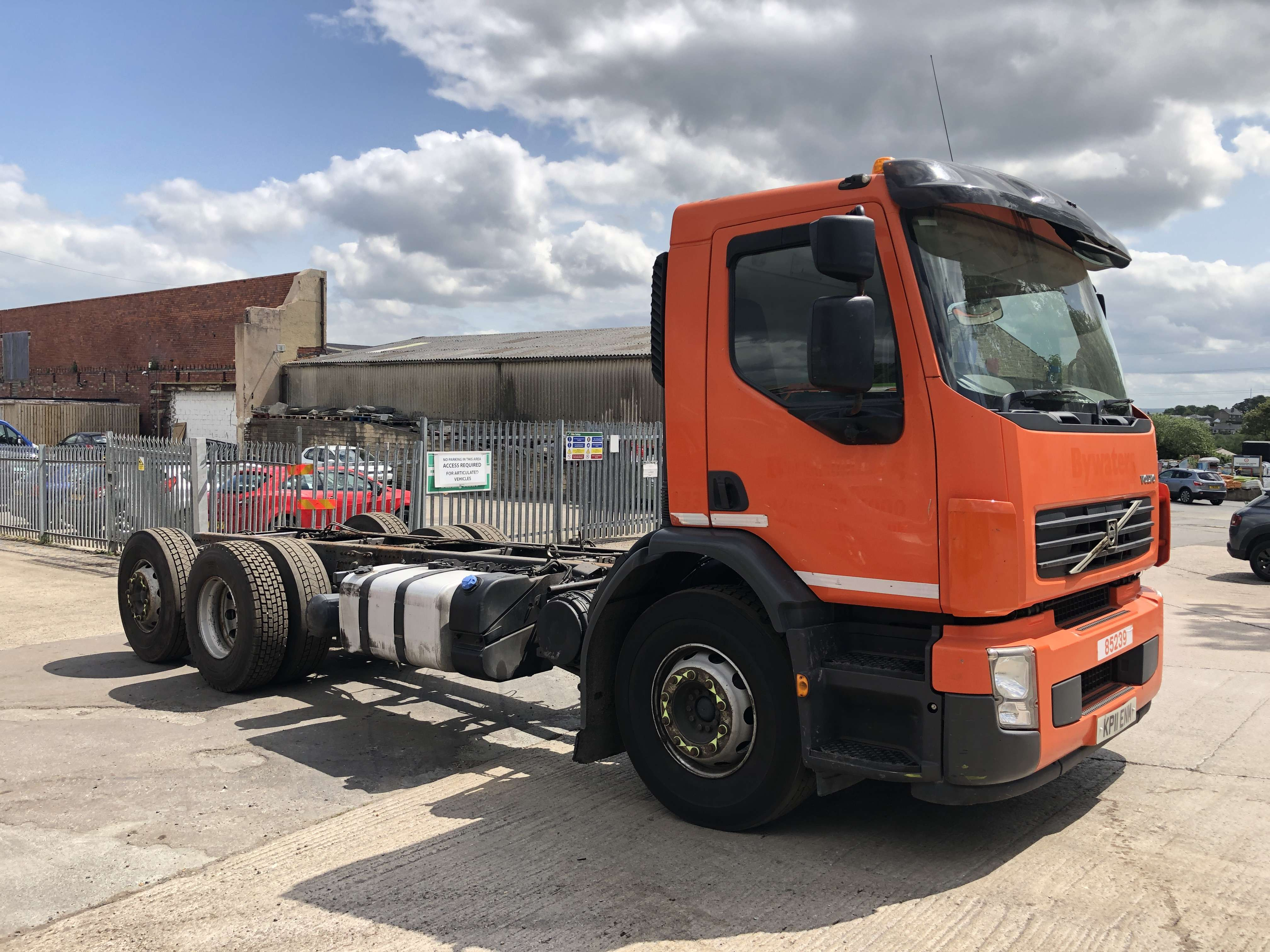Volvo FE 260 6x2 rear steer chassis cab 5