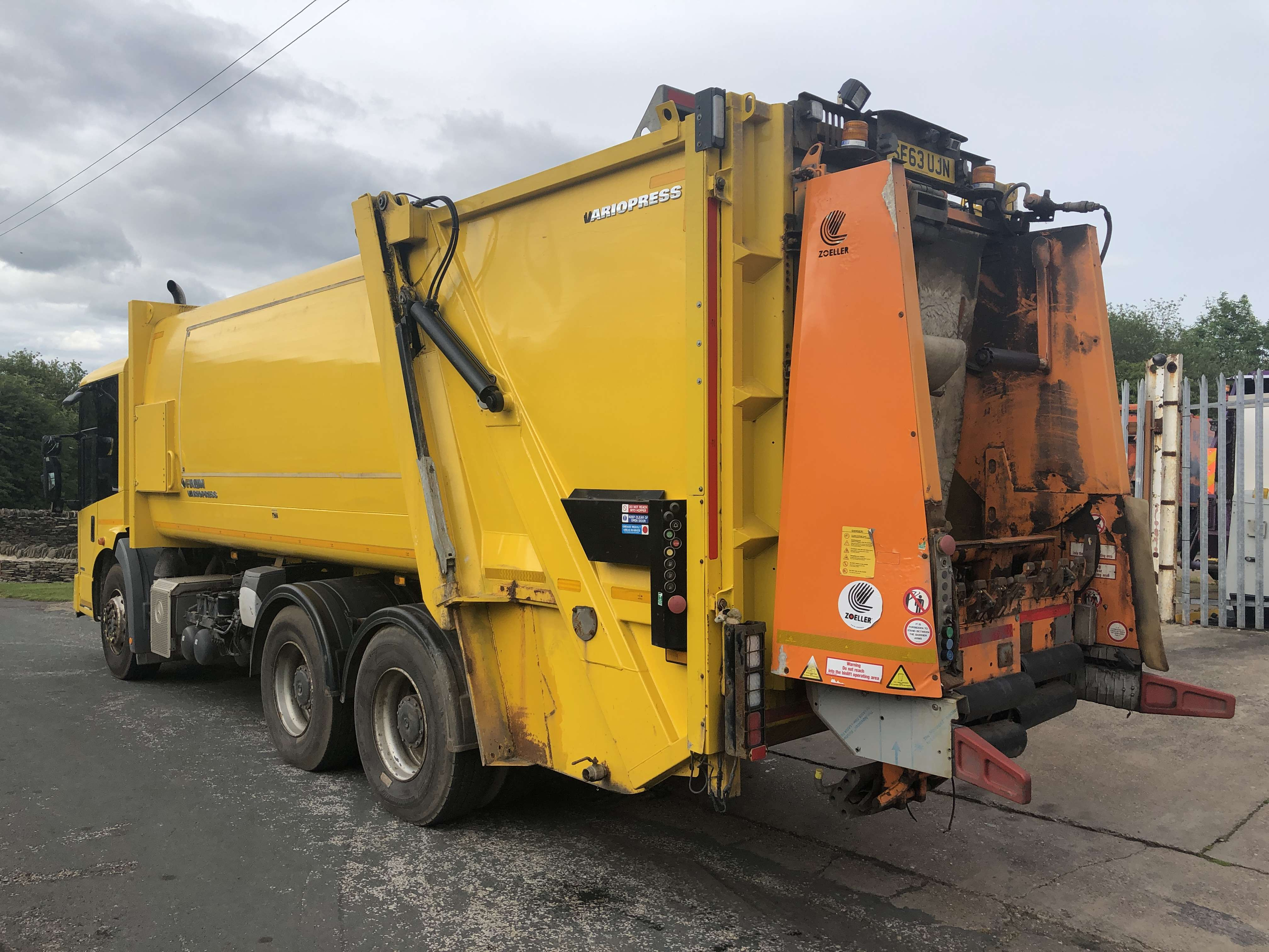 2013 Mercedes Econic refuse truck for sale 2