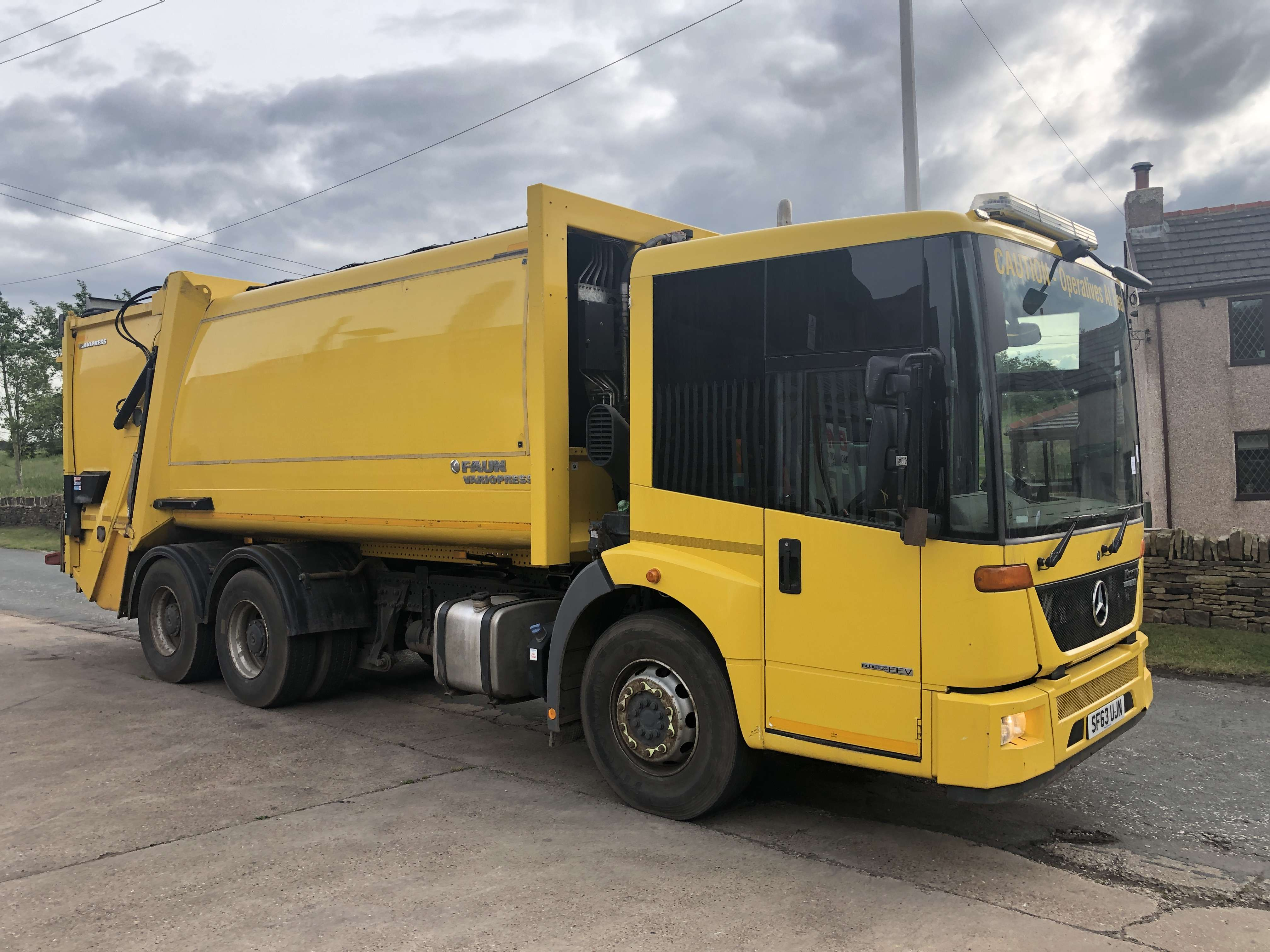 2013 Mercedes Econic refuse truck for sale 4
