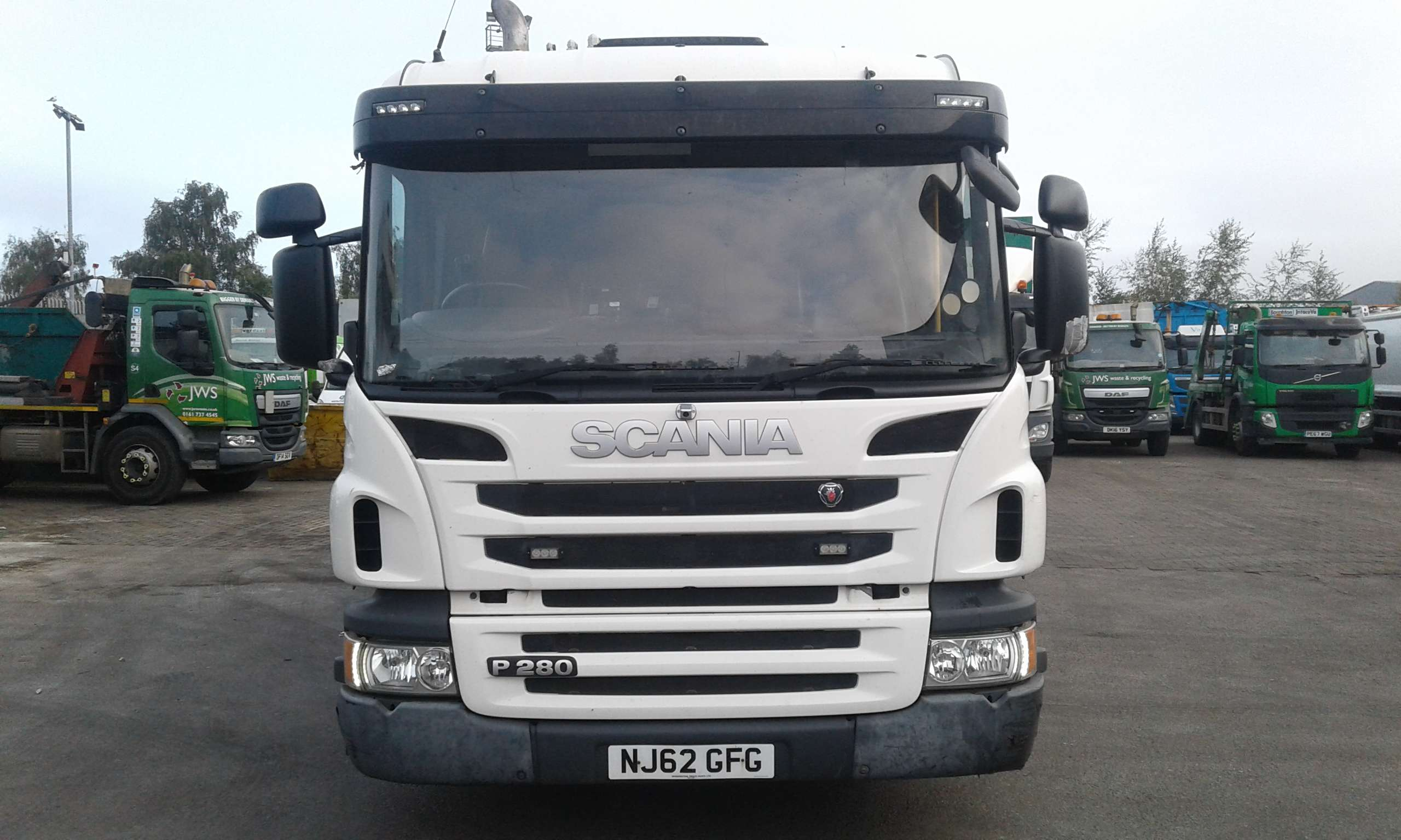 2012 Scania 6x2 Rear steer heil body